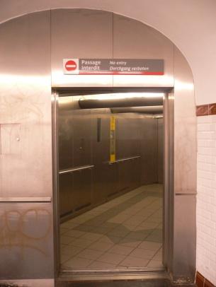Passage interdit - No entry - Durchgang Verboten