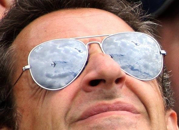 Sarkozy, les ray-ban, le charter et le reste